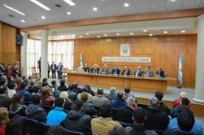 Acto apertura de sobres con ofertas económicas para construir el hospital de 25 de Mayo