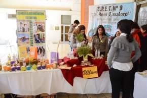 Jóvenes de todos los departamentos exhibieron sus proyectos de emprendimientos productivos