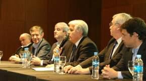 El ministro de Producción, Andrés Díaz Cano habla en el acto de apertura de actividades de ARGOLIVA 2017