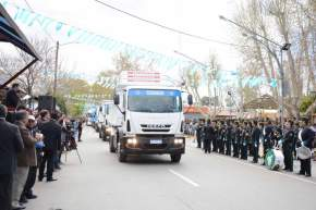 Participaron del desfile las unidades que posee el Municipio de Albardón