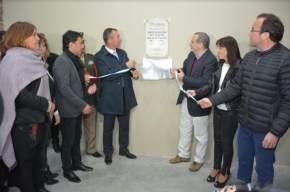 Descubren placa en la inauguración del Polideportivo Municipal de Rivadavia