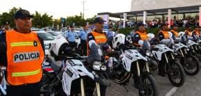 Entregaron 20 motocicletas BMW de 700 cc de cilindrada
