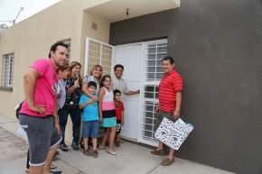 Entregaron 77 viviendas en el departamento Pocito