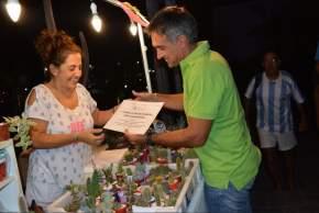 Intendente Aranda entregó reconocimientos a los stands